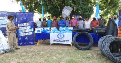 Entrega de equipamientos a familias paipperas que abastecen al Programa Soberanía Alimentaria Formoseña